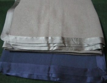 Cashmere Throw with Satin