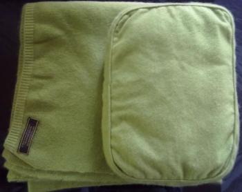 Cashmere Trrow & Pouch